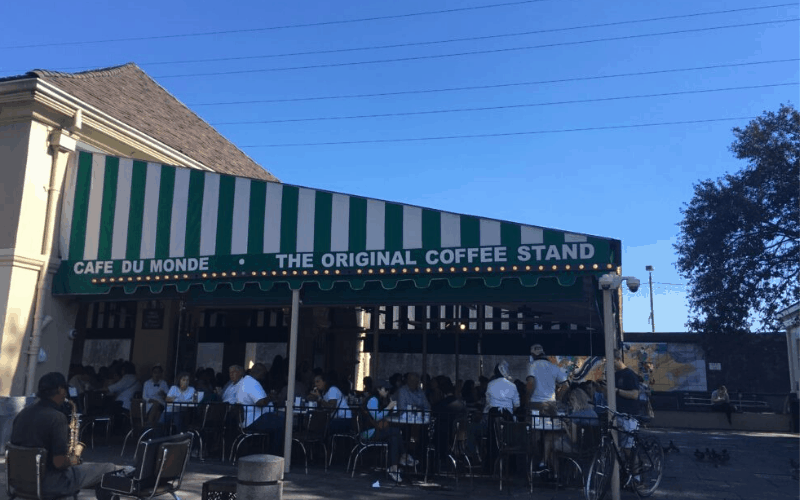 New Orleans Travel Guide: Things to Eat, See and Do in New Orleans Cafe Du Monde