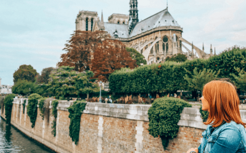 Paris Travel Guide: 8 Must-See Sites!